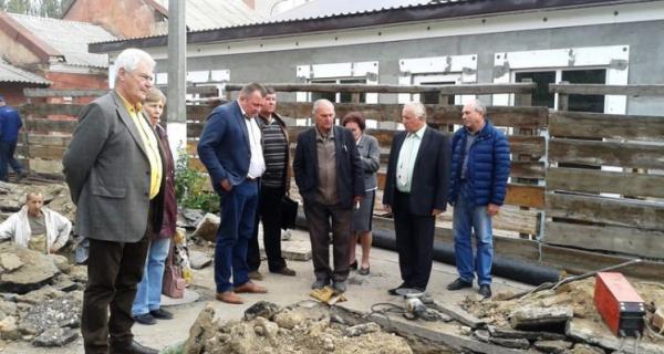 В больнице Тропиных первый заместитель городского головы Игорь Козаков провёл оперативное совещание